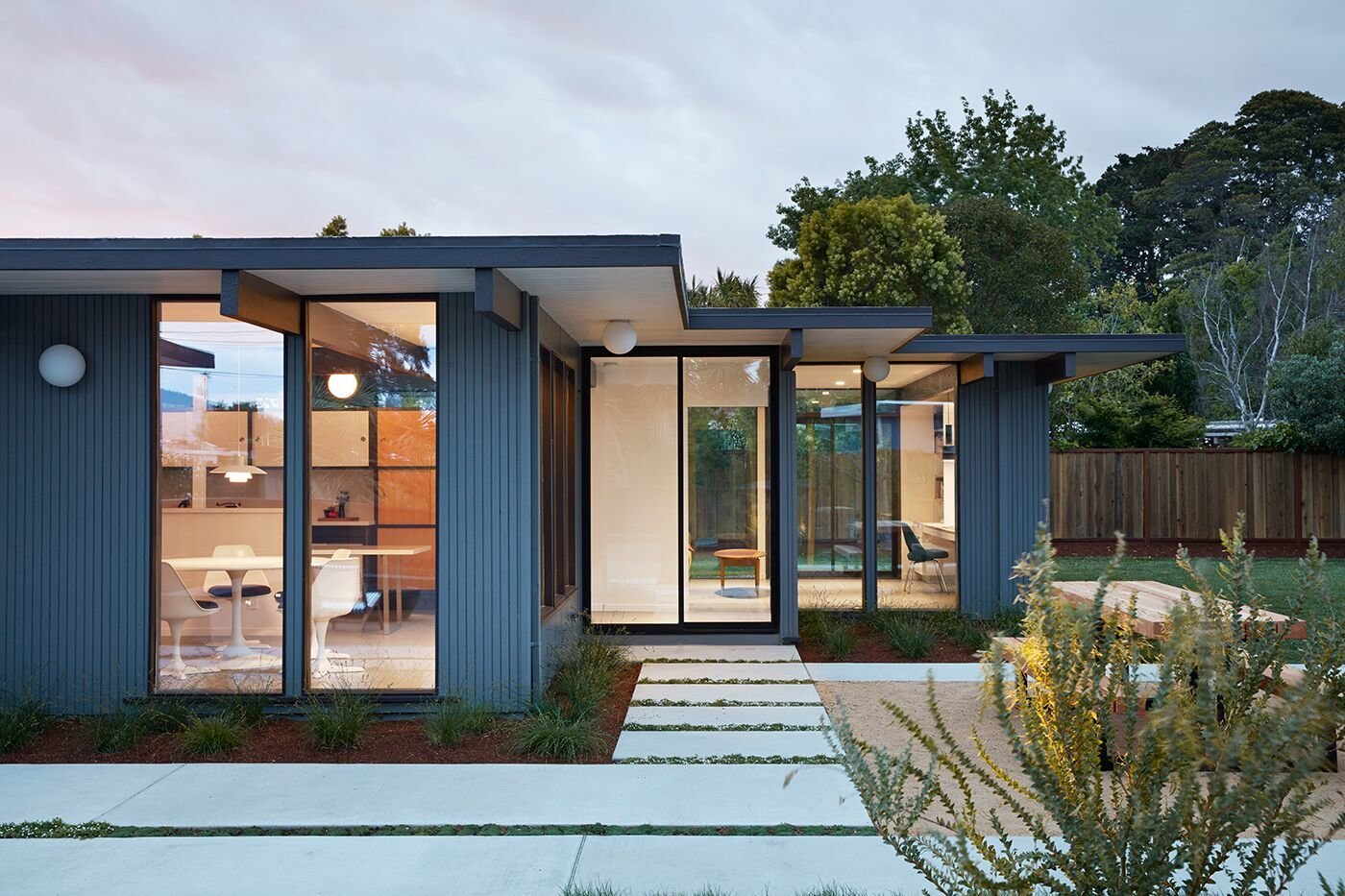 A Midcentury Eichler in San Mateo Is Turned Into a Functional Family ...