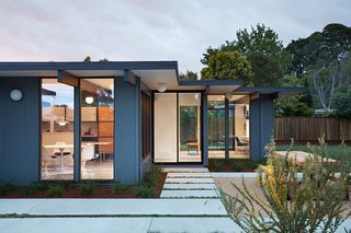 A Midcentury Eichler in San Mateo Is Turned Into a Functional Family Home