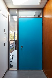 A Midcentury Eichler in San Mateo Is Turned Into a Functional Family Home - Photo 5 of 10 -