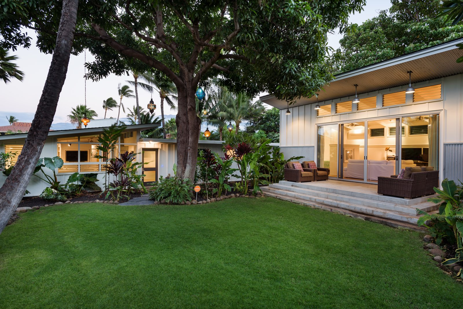 A Renovated Hawaiian Beach House From the 1950s Asks $1.79M