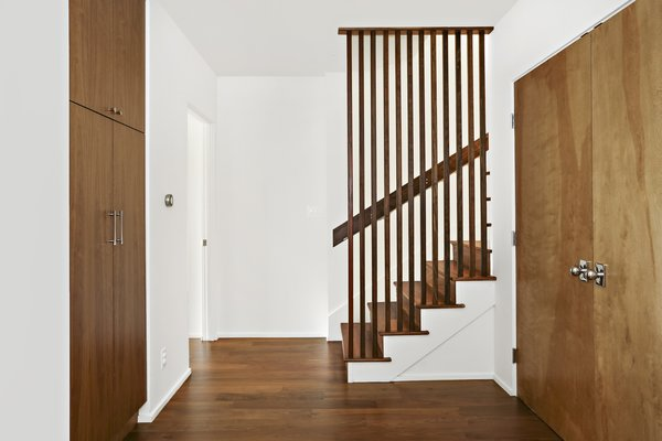 A Silver Lake Home Built in 1939 Is Renovated From Top to Bottom - Photo 5 of 22 -