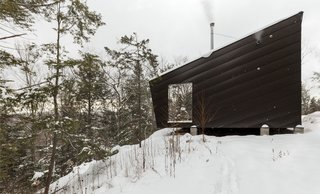 A Prefab Cabin in New Hampshire Is a Magnificent Mountain Retreat - Photo 16 of 18 -