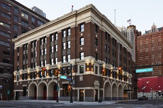 Located in the former 1929 Detroit Fire Department Headquarters at the gates of downtown, the Foundation Hotel houses 100 rooms.