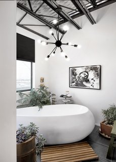 40 Modern Bathtubs That Soak In the View - Photo 35 of 40 - Master tub room
