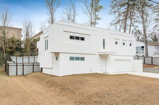 10 Bright White Cubist Homes Across the Globe - Photo 10 of 10 -
