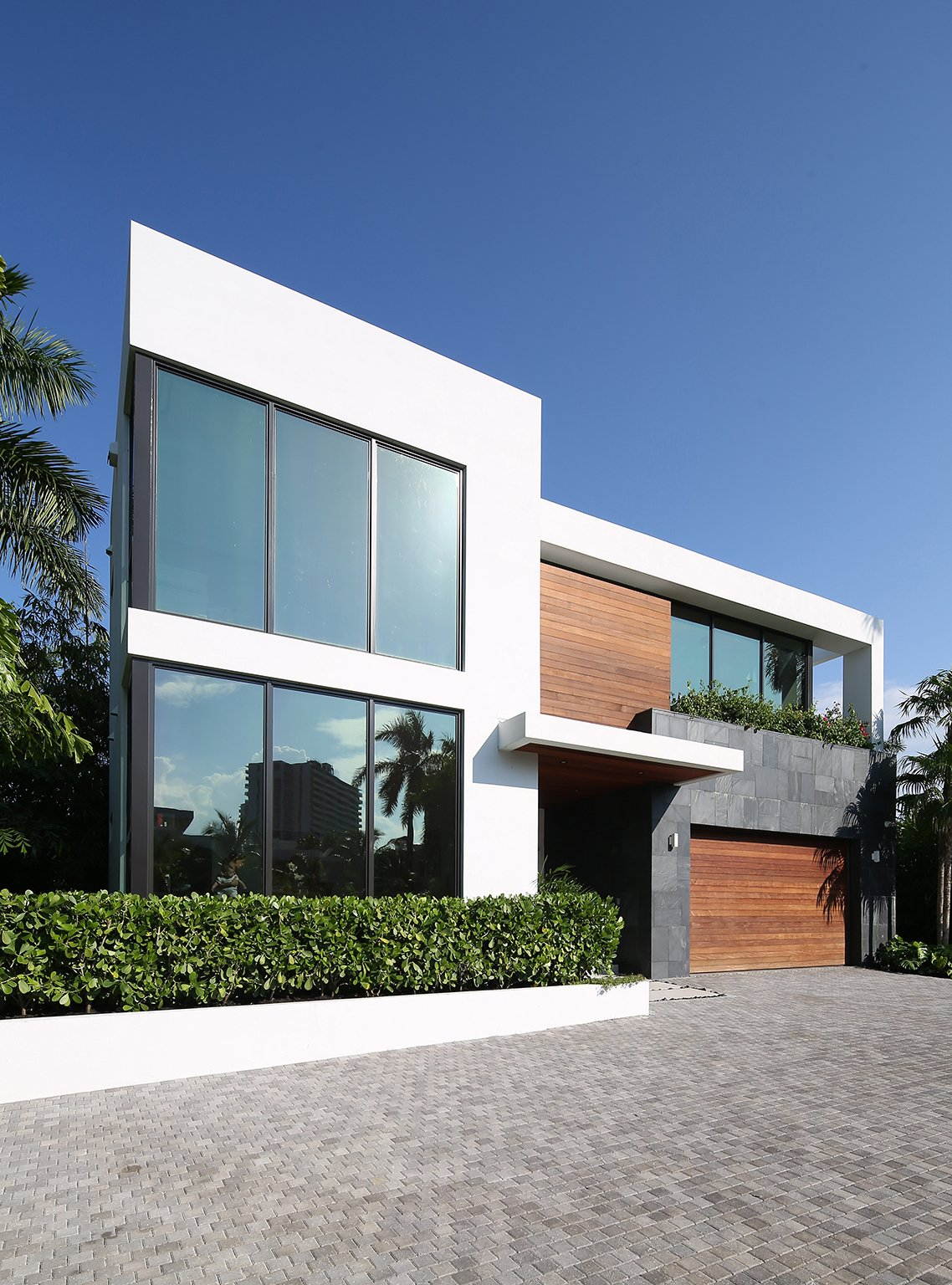 475 Golden Beach by Sdh Studio Architecture + Design