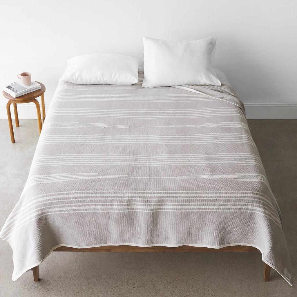 The Citizenry Abrigo Bed Blanket - Oatmeal