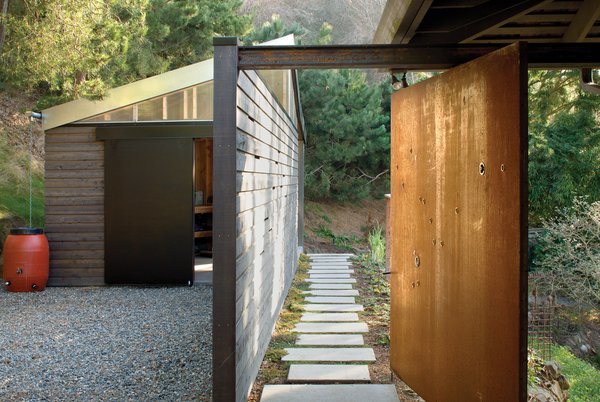 Outdoor and Walkways  Studio for a Writer by Robert Hutchison Architecture