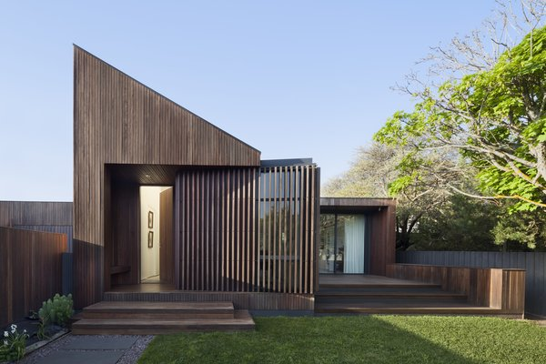 A Timber-Clad Home in Australia Is a Striking Place to Grow Old In