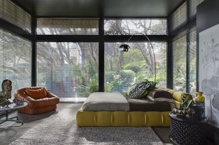 Unexpected Bursts of Color Enliven a Midcentury Pad in Australia - Photo 3 of 6 -