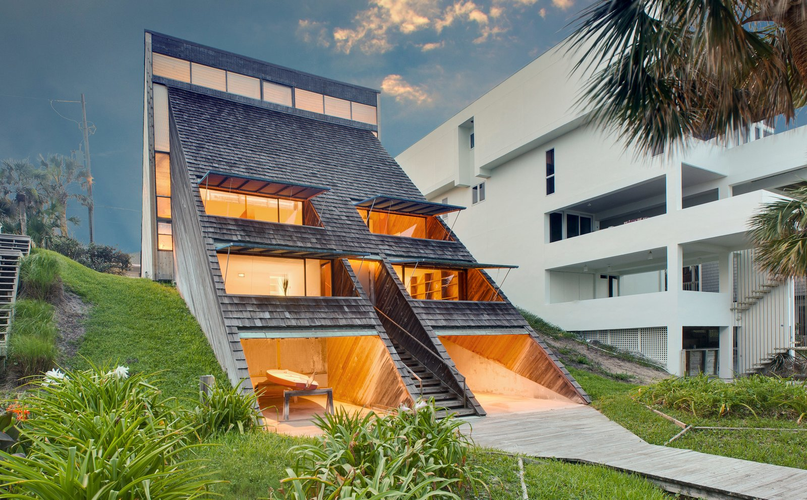 Outdoor and Back Yard  Photo 1 of 13 in A Renowned Florida Architect's Geometric Family Home Hits the Market For the First Time