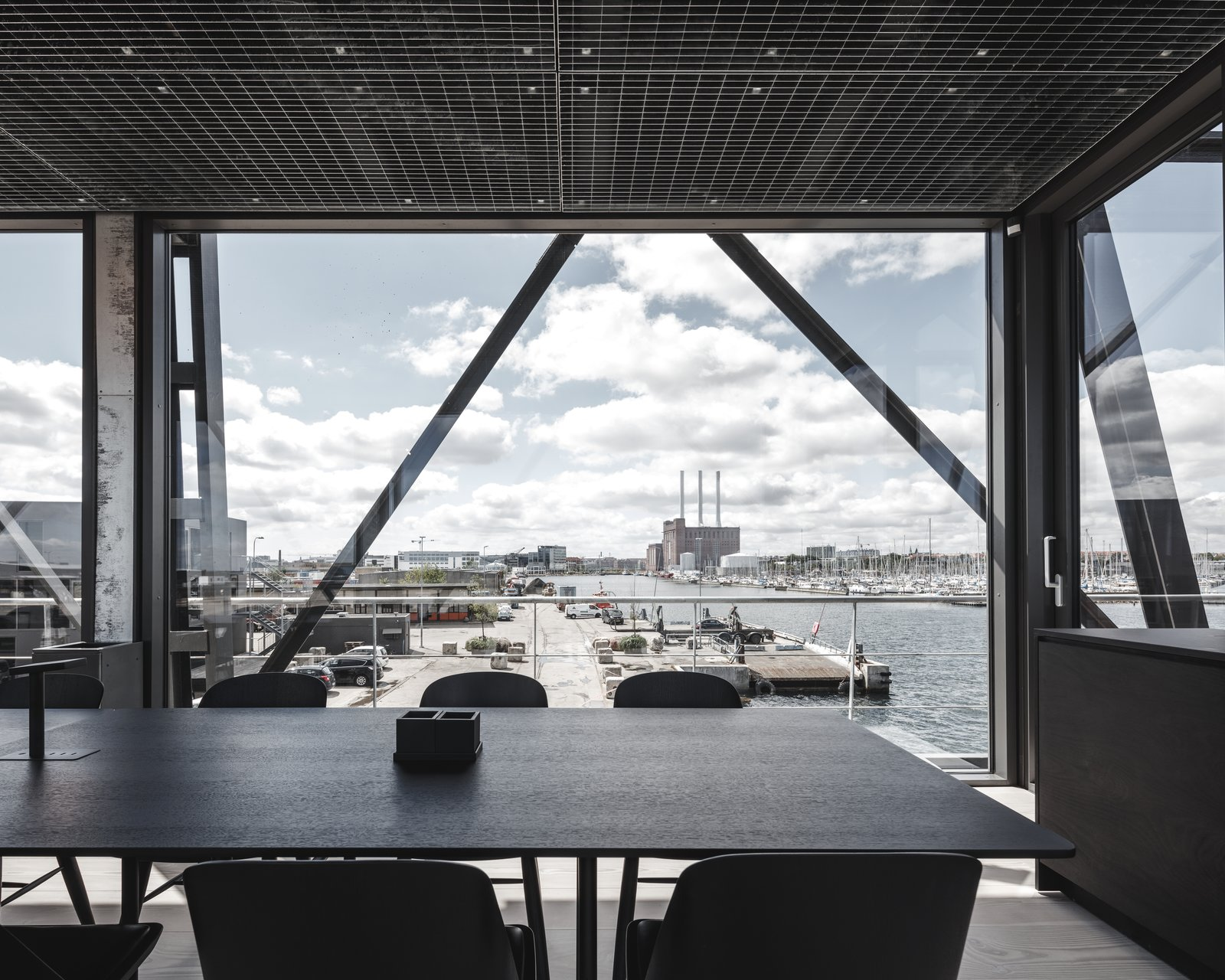 Photo 11 of 12 in A Coal Crane Houses an Unexpected Retreat and Meeting Room in Copenhagen
