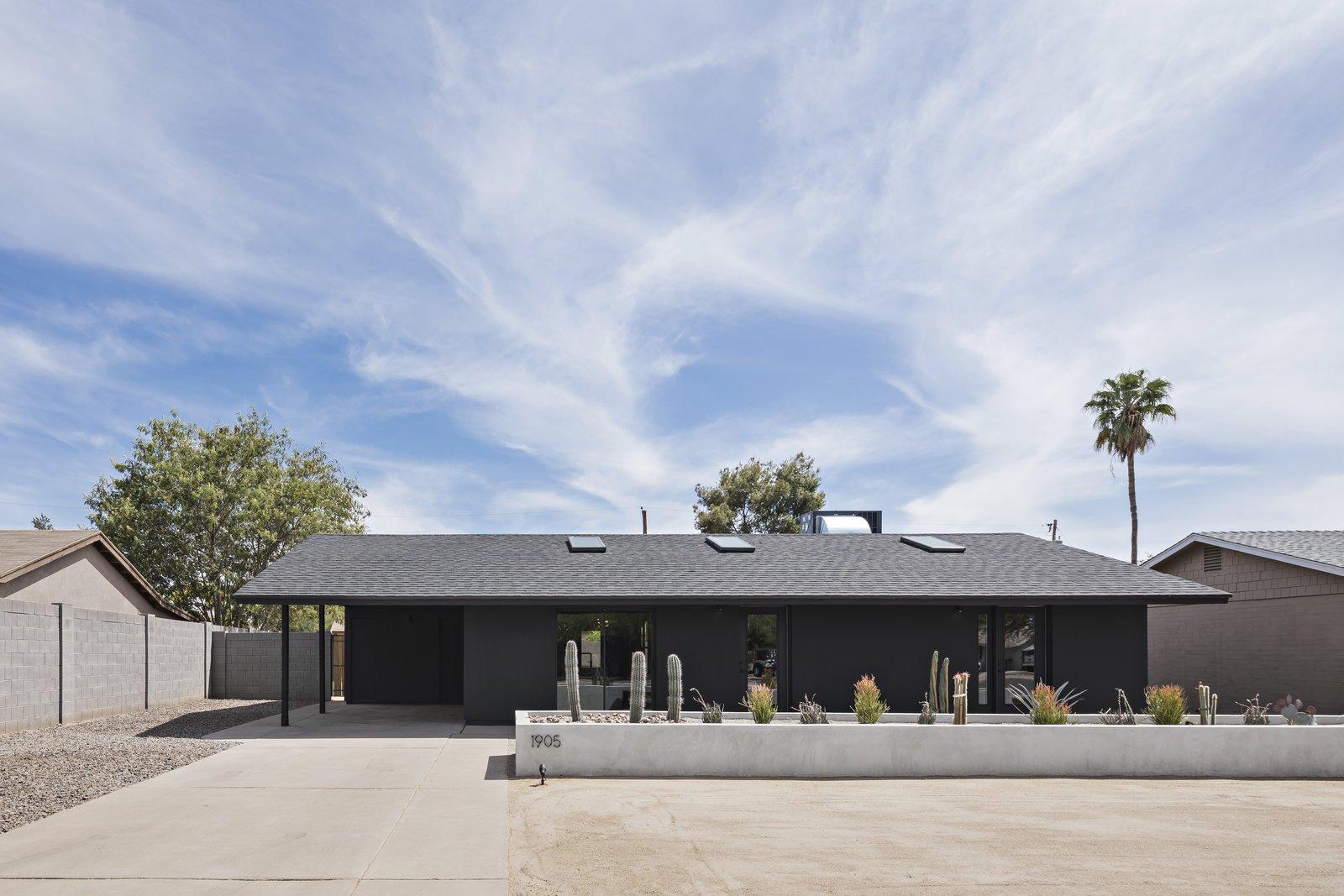 The Black House Knob Modern Design exterior