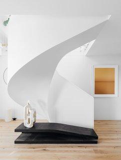 A Bondi Beach Penthouse Designed For Barefoot Luxury - Photo 2 of 8 -