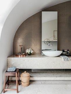 A Bondi Beach Penthouse Designed For Barefoot Luxury - Photo 5 of 8 -