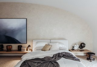 A Bondi Beach Penthouse Designed For Barefoot Luxury - Photo 3 of 8 -