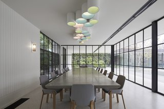 See How Sliding-Glass Pavilions Transformed a Renovated Melbourne Home - Photo 5 of 10 -