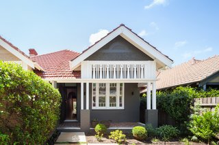 A Streamlined Addition Revives a Gloomy Victorian in Sydney - Photo 1 of 8 -