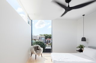 A Streamlined Addition Revives a Gloomy Victorian in Sydney - Photo 8 of 8 -