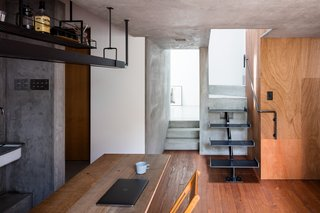 Find Out How a Japanese Architect Created a Fluid Live/Work Space For a Photographer - Photo 7 of 12 -