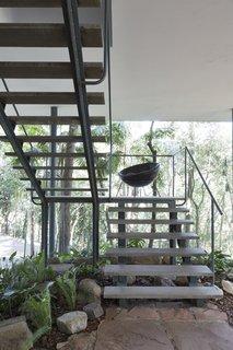 Modern Master Lina Bo Bardi's Bowl Chair Makes a Comeback - Photo 9 of 10 -