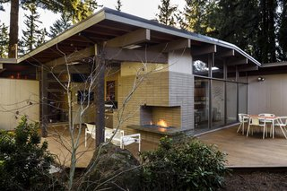 Reinvigorating a Classic Midcentury Home in Portland - Photo 6 of 7 -