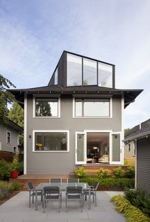 You Wouldn't Expect the Rooftop Addition on This American Foursquare in Portland - Photo 1 of 9 -