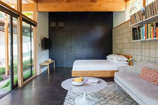 Hole Up in This Quintessential Midcentury Modern Rental in Hollywood - Photo 12 of 12 -