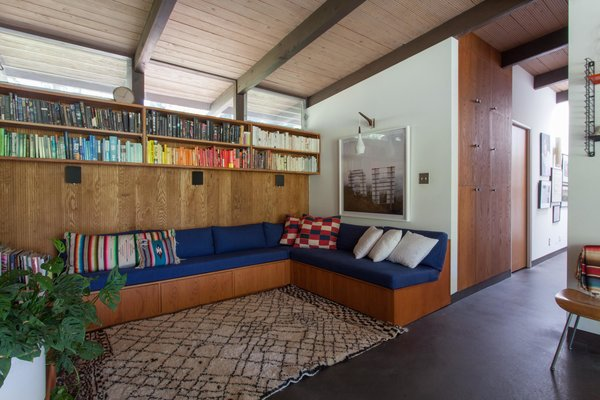 Hole Up in This Quintessential Midcentury Modern Rental in Hollywood - Photo 2 of 12 -