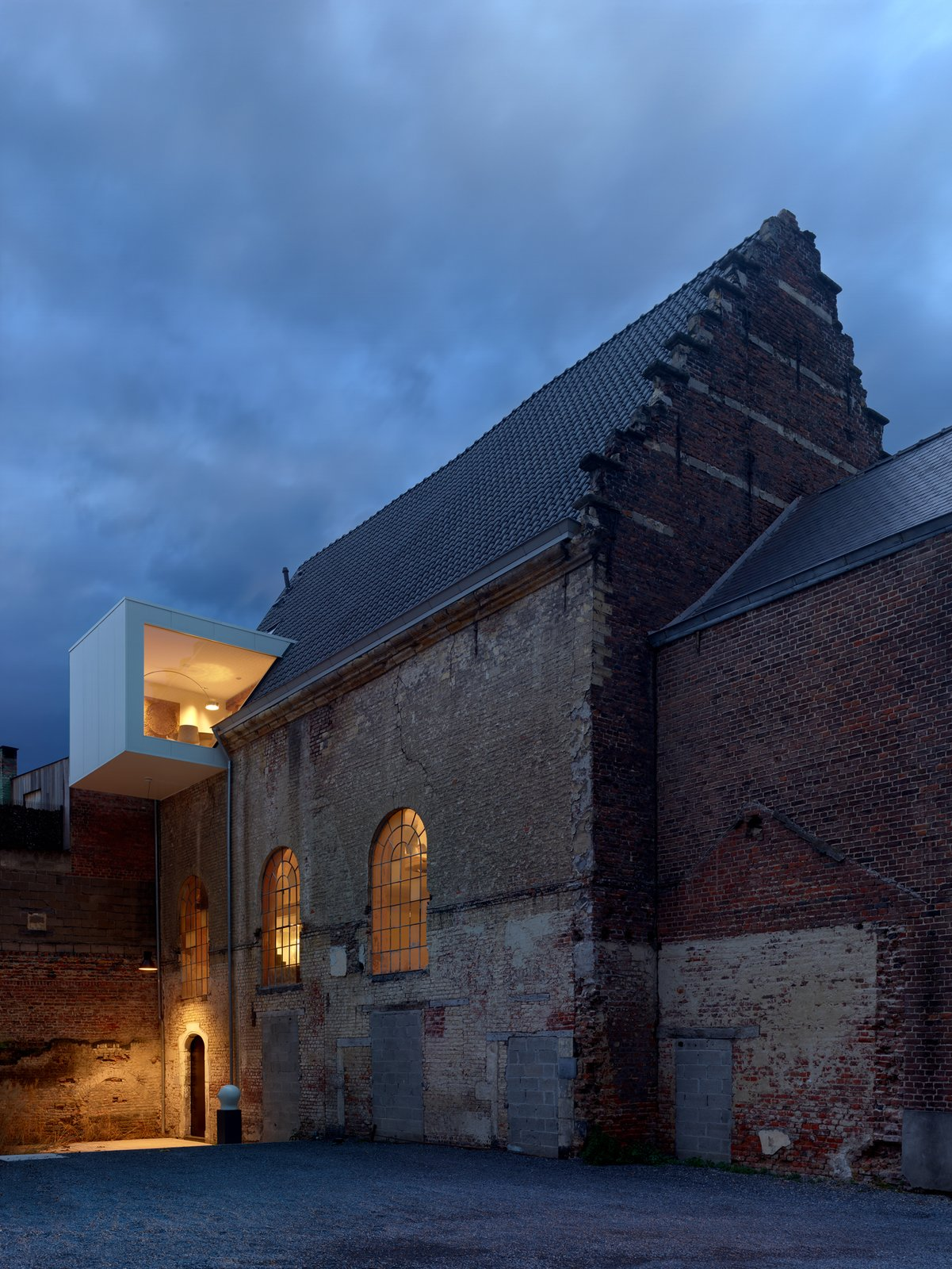 This Chapel-Turned-Office in Belgium Is Unbelievably Cool