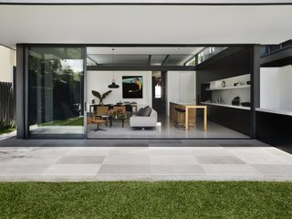 A Sleek, Two-Story Addition Hides Behind a Traditional Cottage in Sydney