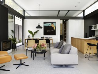 A Sleek, Two-Story Addition Hides Behind a Traditional Cottage in Sydney - Photo 6 of 12 -