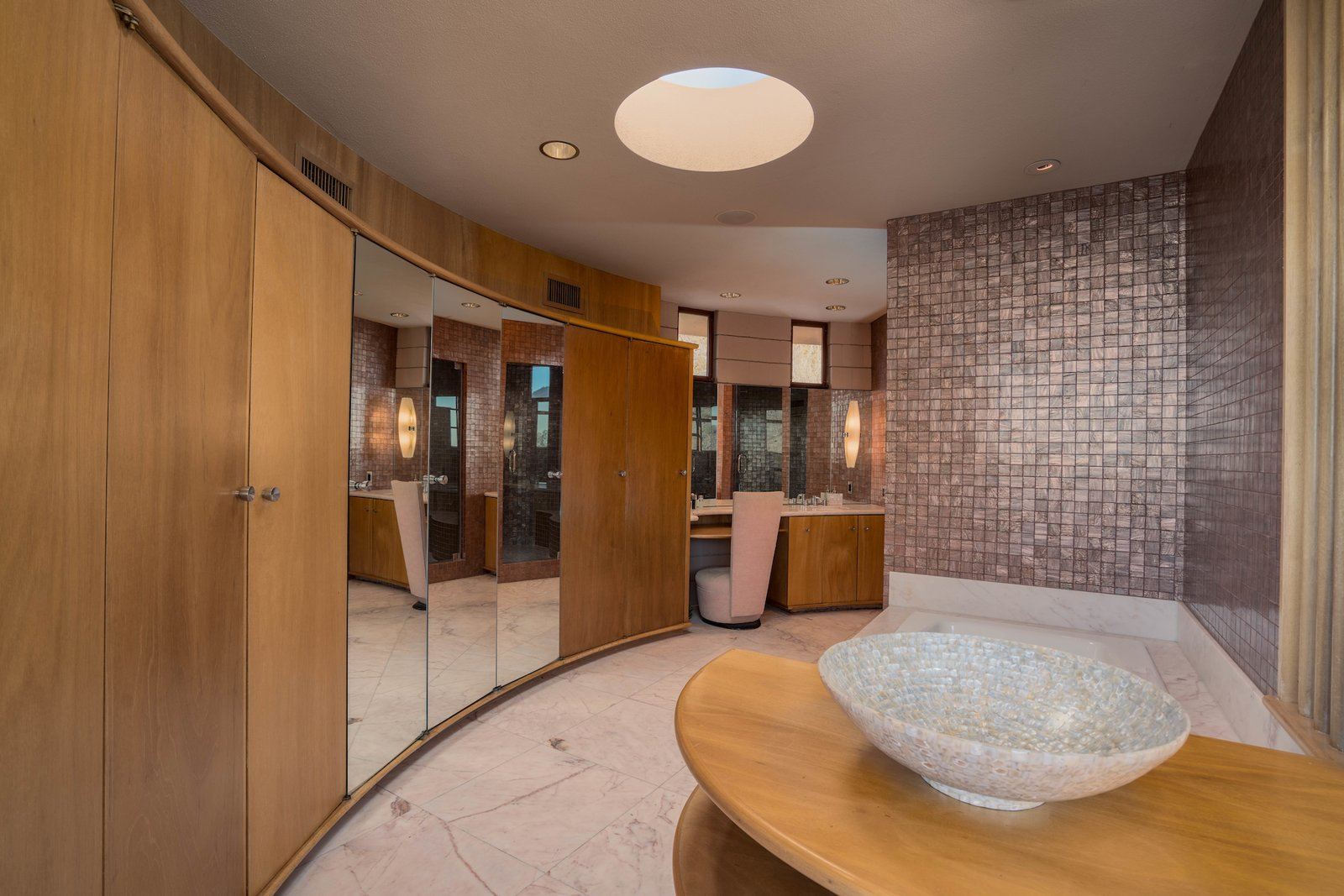 Bath Room, Alcove Tub, Recessed Lighting, and Mosaic Tile Wall  Photo 15 of 15 in The Last House Designed by Frank Lloyd Wright Is Being Auctioned Without Reserve