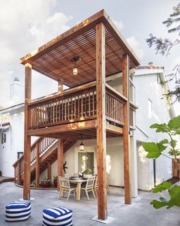 Soria redesigned his parents' two-story deck with wood sourced from Humboldt Redwood.