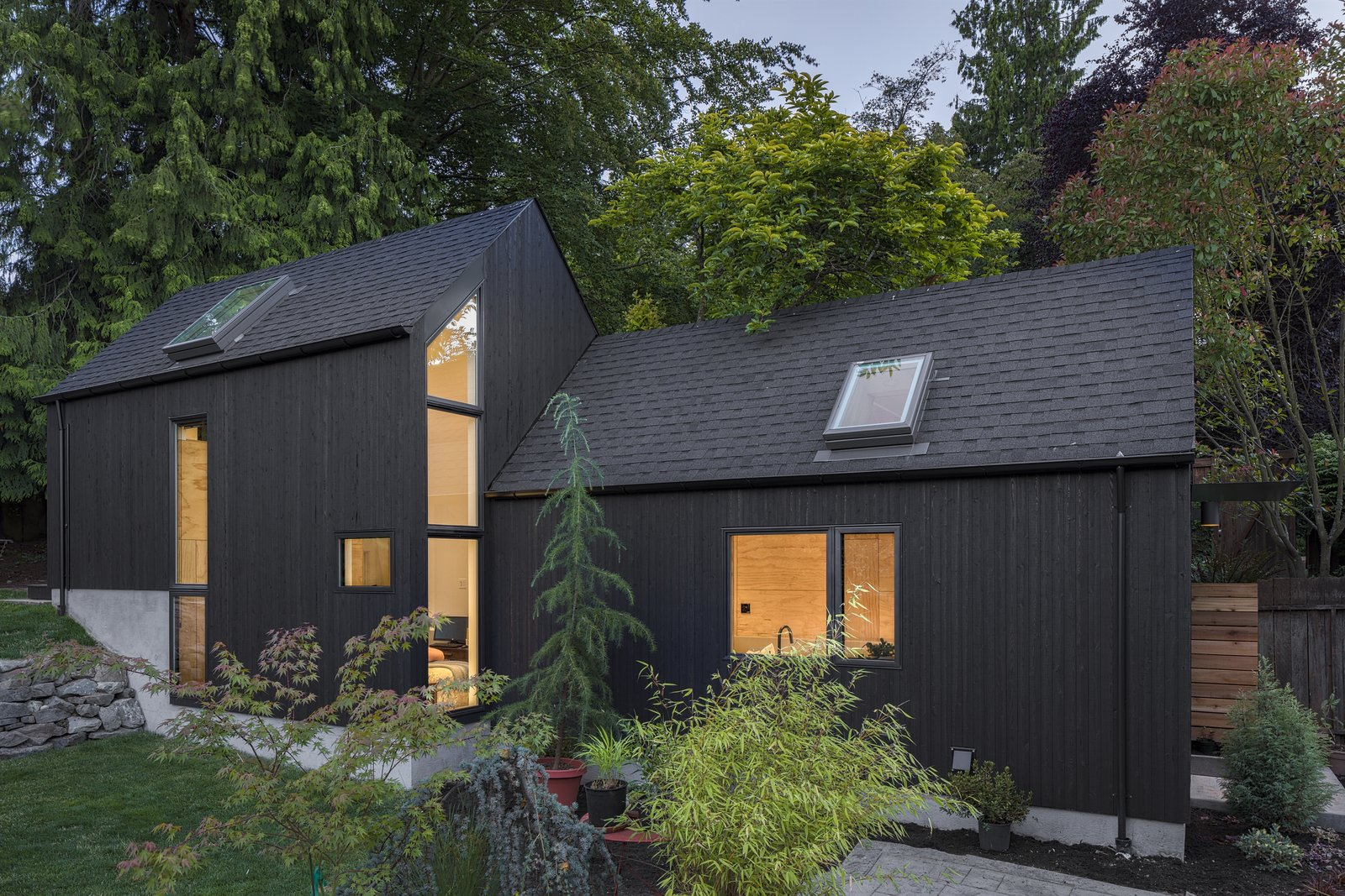 "A Detached Garage Becomes a Winning ""Granny Pad"""