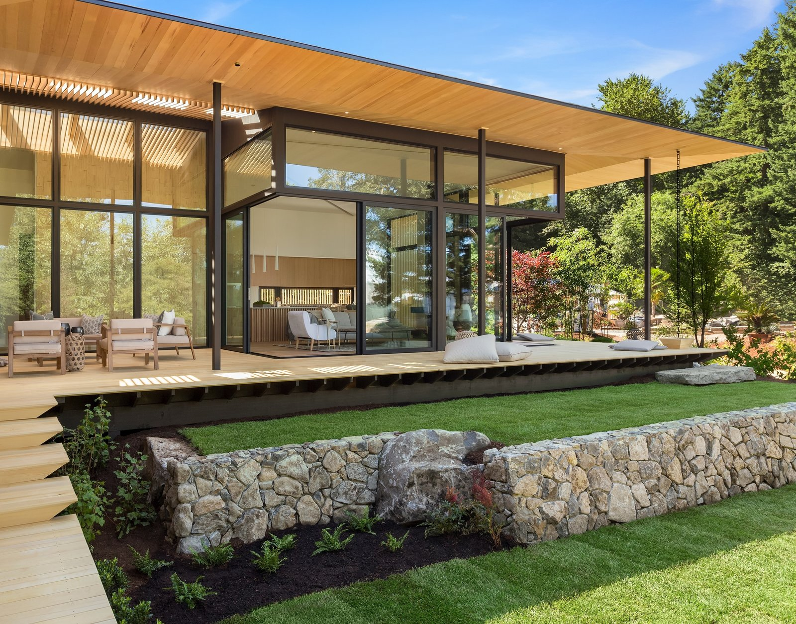 Kengo Kuma Weaves Japanese Design Into This Indoor/Outdoor Oregon Abode