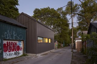 A Compact Laneway House in Toronto Takes Back Underused Space