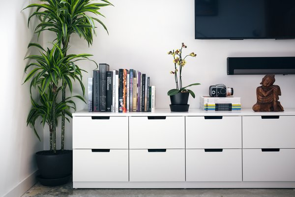 A drawer unit from IKEA provides lots of storage.