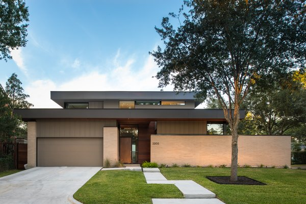 Top 5 Homes of the Week That Ooze Midcentury Modern Vibes - Photo 3 of 5 -