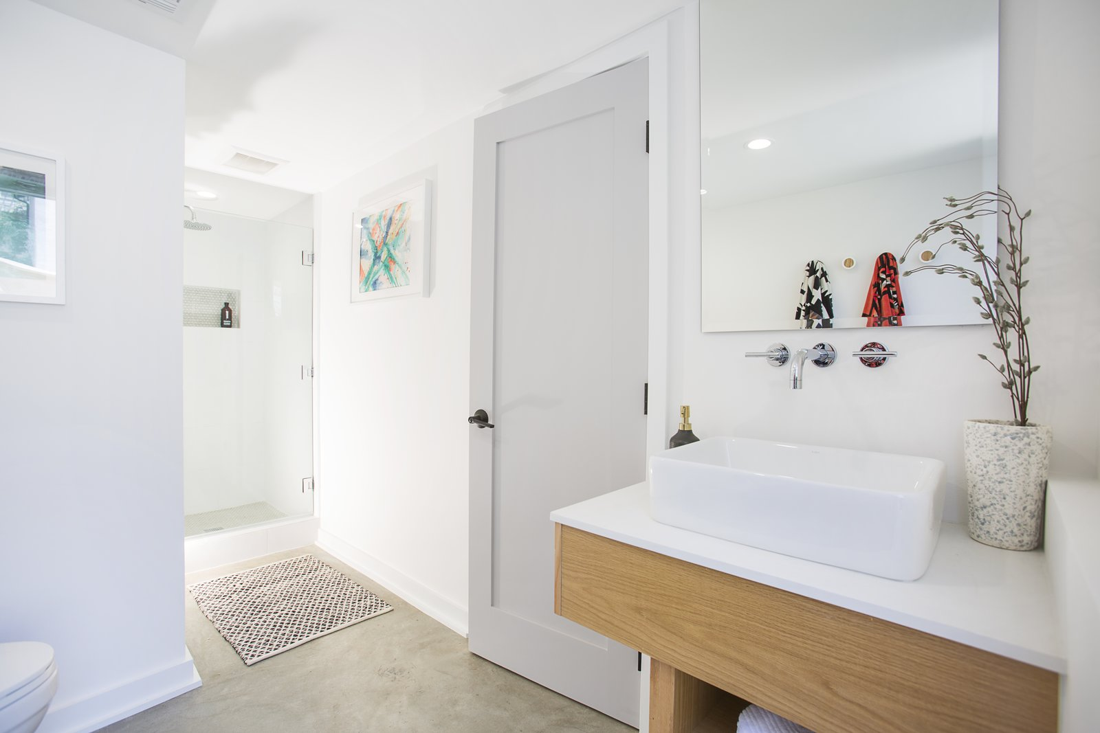 Bath Room, Engineered Quartz Counter, Concrete Floor, Vessel Sink, Two Piece Toilet, and Enclosed Shower  Silverlake on Riverside Terrace