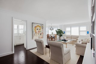 AN ART-FILLED APARTMENT RENOVATION 40 YEARS IN THE MAKING!