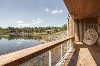 Harmonizing With Nature, These Eco-Huts Offer Respite in the Heart of France - Photo 5 of 10 -