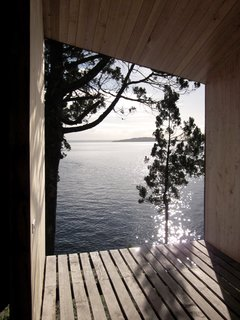 A Timber-Clad Sauna in Chile Angles For Lakeside Views - Photo 5 of 9 -