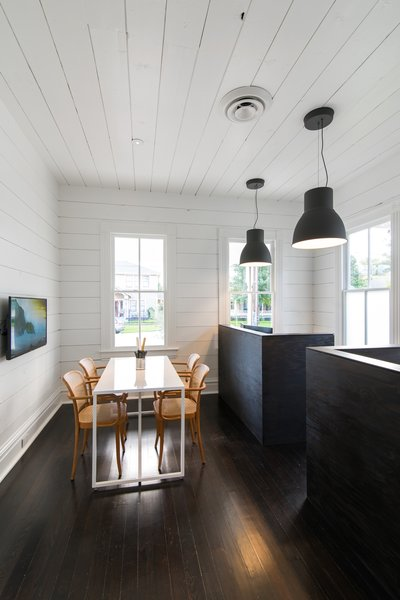 A Victorian Cottage in Houston Finds New Life as a Local Firm's Office - Photo 8 of 13 -