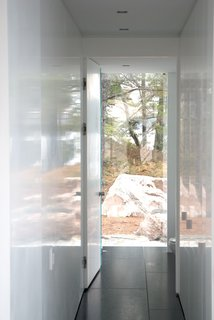 This Mesmerizing Glass House Is Also a Photographer's Lakeside Studio - Photo 3 of 13 -