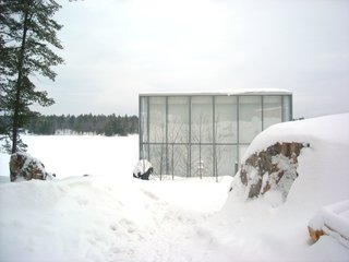 This Mesmerizing Glass House Is Also a Photographer's Lakeside Studio - Photo 12 of 13 -