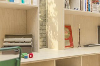 A London Couple's Backyard Studio Is Clad in Sustainable Cork - Photo 6 of 8 -