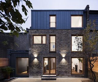 A Sleek Renovation in London Ushers Light Into a Family Home - Photo 11 of 11 -