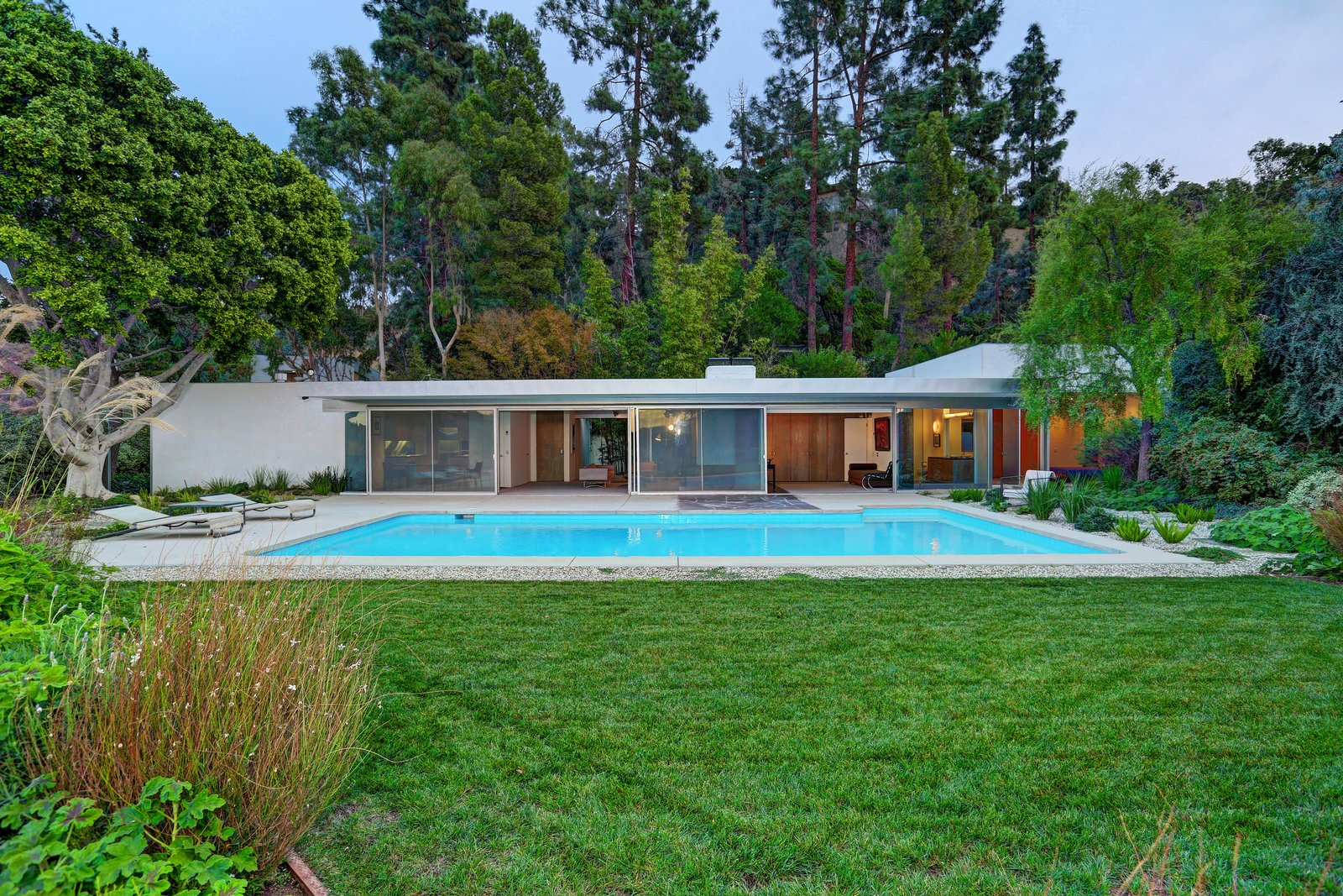 Richard Neutra S Stunning Loring House Is Listed For 5 6m