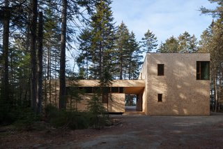 A Shingled Forest Retreat Is Fit For the Changing Seasons
